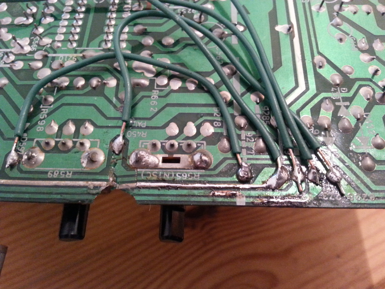 A Very Personal Monitor The Philips Cm8833 Circuit Board Trace Traces